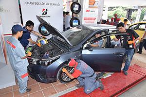 Bridgestone và ba đối tác Bosch, 3M, Idemitsu chăm sóc trọn gói cho hơn 100 xe ở Tp. Hồ Chí Minh trong 3 ngày sự kiện