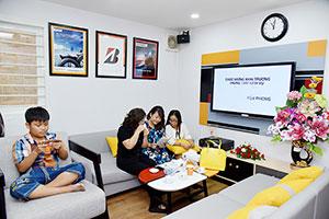 Không gian phòng chờ tại B-Select Yến Phong được trang bị đầy đủ tiện nghi với máy điều hoà, wifi, nước uống miễn phí, khu vực dành cho trẻ em giúp nâng tầm trải nghiệm của khách hàng lên một chuẩn mực mới