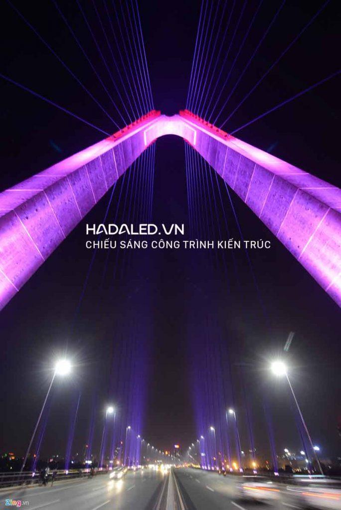 Đèn Led chiếu sáng kiến trúc cầu