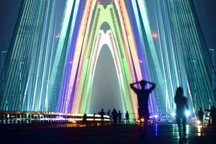 Đèn Led chiếu sáng cầu