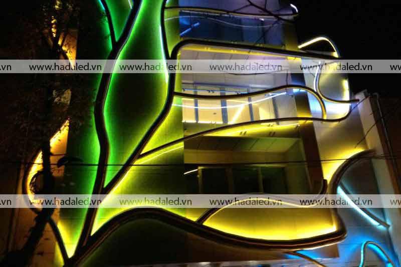 Trang trí toà nhà bằng đèn LEd