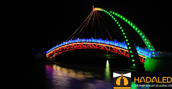 Những lợi ích khi sử dụng đèn led chiếu sáng kiến trúc cầu 6