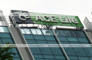 biển quảng cáo trên nóc tòa nhà