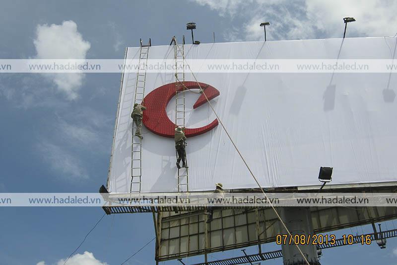 Sản xuất biển quảng cáo tấm lớn