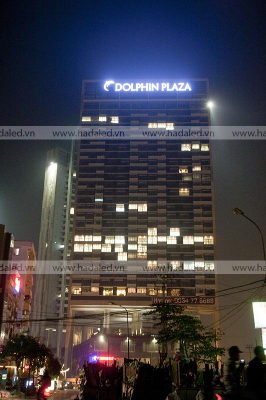 Biển hiệu đèn led trên nóc toà nhà