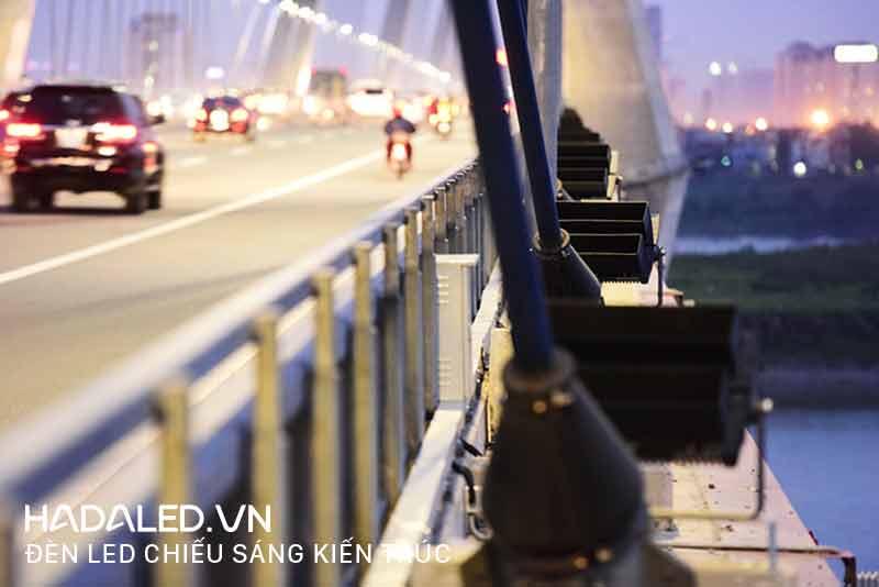 Bán đèn Led chiếu sáng cầu