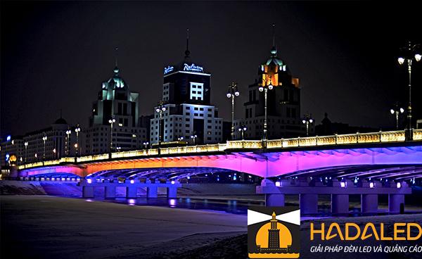 Những lợi ích khi sử dụng đèn led chiếu sáng kiến trúc cầu 5
